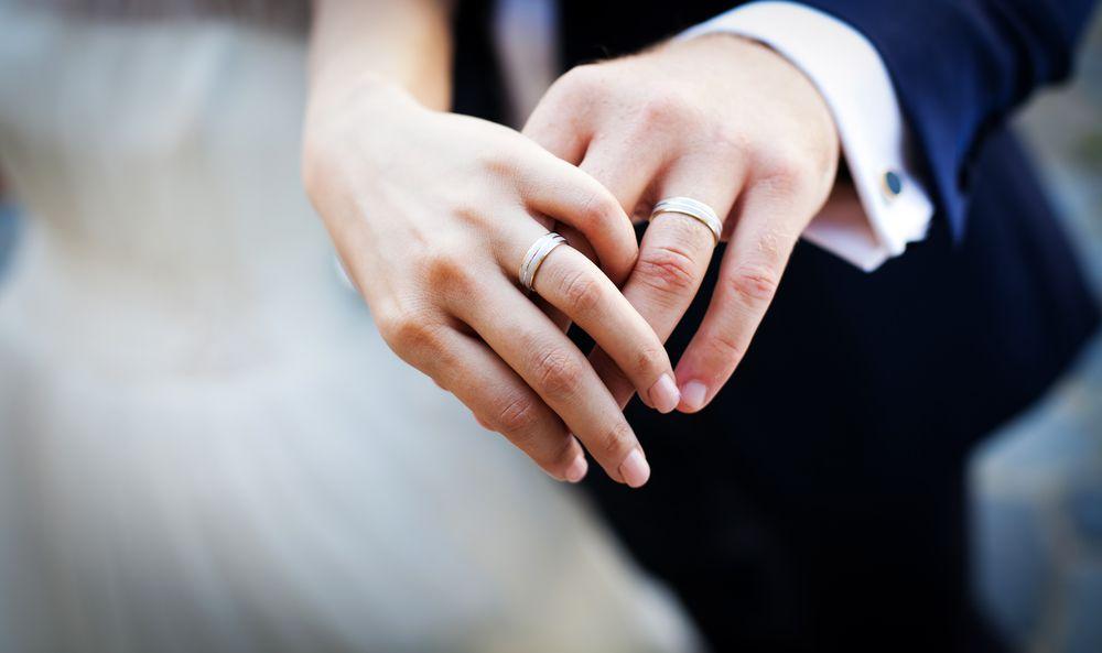 結婚指輪のダイヤモンドの選び方とは?